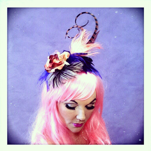 Kiss of Dawn Divalicious Fascinator
