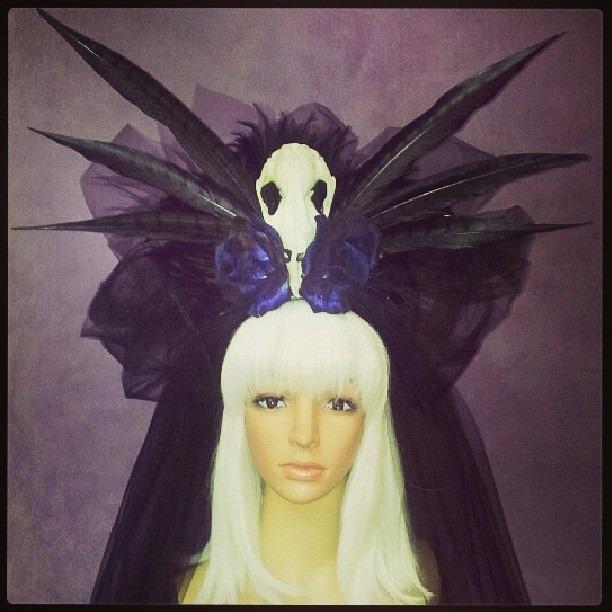 Le Veuve Noir Divalicious Headdress
