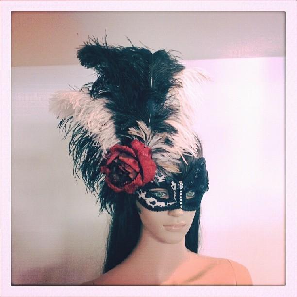 Scarlette la Rue Divalicious Masquerade Mask