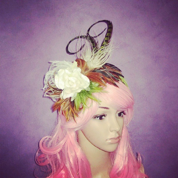 Willow Glimmer Divalicious Fascinator